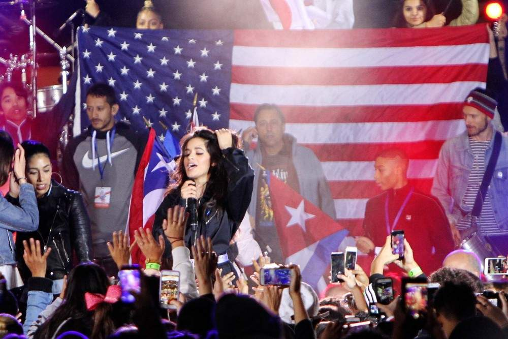 Camila Cabello homenageia imigrantes no TODAY Show