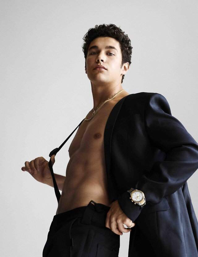 "Ouça ""Dancing With Nobody"", novo single de Austin Mahone"