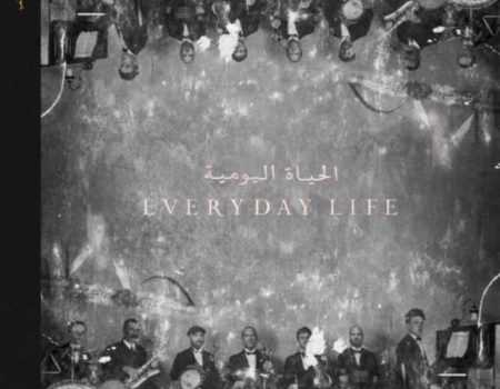 """Everyday Life"": Coldplay lança ""Arabesque"" e ""Orphans"""