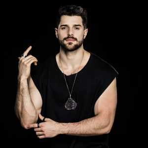 Alok é atração confirmada no Big Brother Brasil onde lançará a track viral 'The Book Is On The Table'