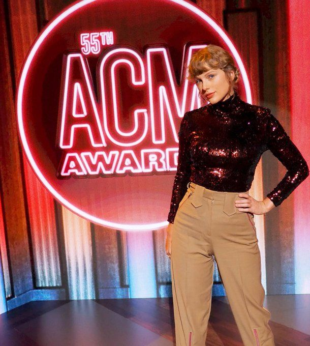 Taylor Swift stuns with her Betty performance at the ACM