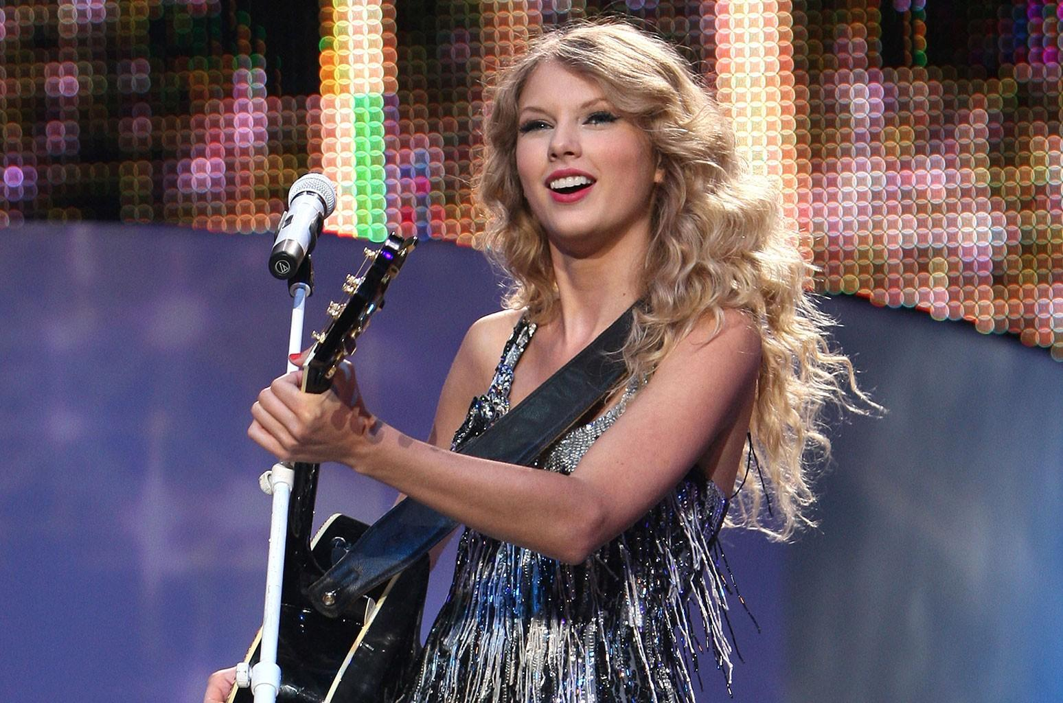 Taylor Swift Fearless Tour 2009